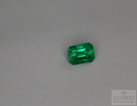 Emerald, octagonal cut, 0.90 ct