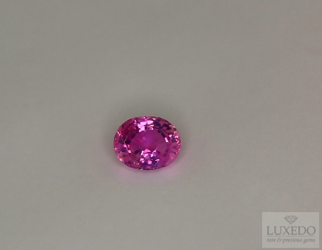 Pink sapphire, oval cut, 0.96 ct