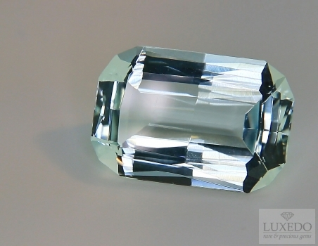 Aquamarine, octagonal cut, 18.25 ct