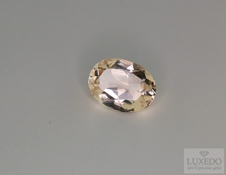 Morganite oval cut, 2.10 ct