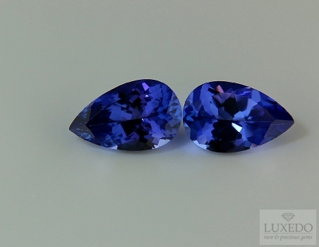 Pair of tanzanites, drop cut, 5.54 ct