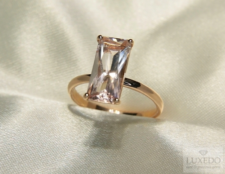 Anello con Morganite in oro Rosa 18 kt