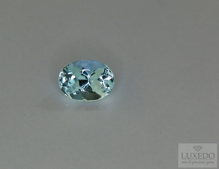 Aquamarine, oval cut, 0.87 ct