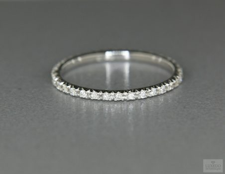 Diamonds Band, 18 kt white gold ring