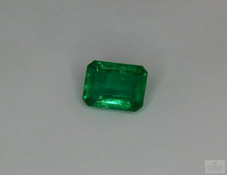 Emerald, octagonal cut, 2.19 ct