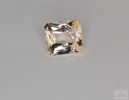 Morganite, octagonal cut, 2.76 ct