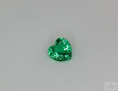 Emerald, heart cut, 0.82 ct