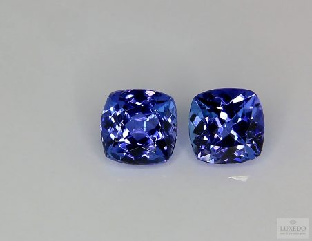 Pair of Tanzanite, cushion cut, 5.81 ct tot.