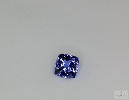 Tanzanite, cushion cut, 0.86 ct