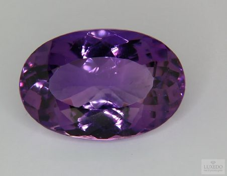 Amethyst, oval cut, 21.95 ct