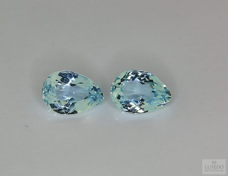 Pair of Aquamarine, drop cut, 2.32 ct tot.