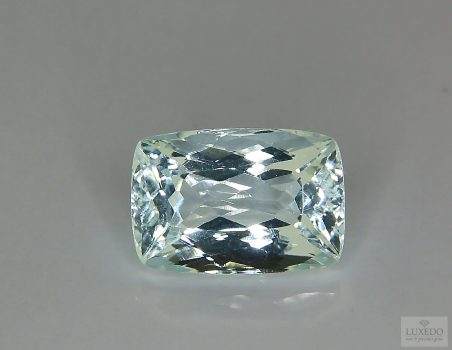 Aquamarine, cushion cut, 8.12 ct