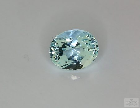 Aquamarine, oval cut, 3.84 ct
