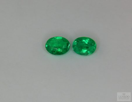 Pair of Emeralds, oval cut, 0.86 ct tot.