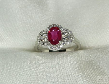 "Burma Ruby and diamonds ring in 18 kt white gold ""Sidera"""