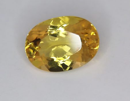 Citrine Quartz, oval cut, 11.70 ct