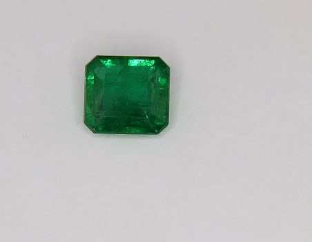 Emerald octagonal cut, 2.13 ct (IGI)