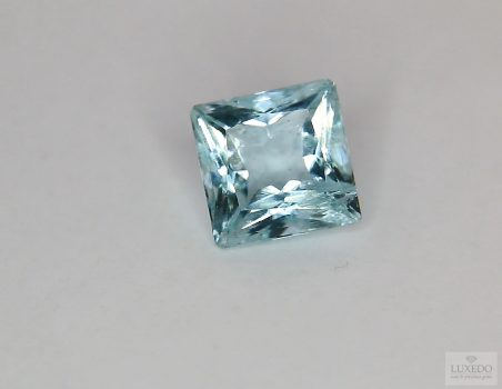 Aquamarine, squared cut, 3.62 ct