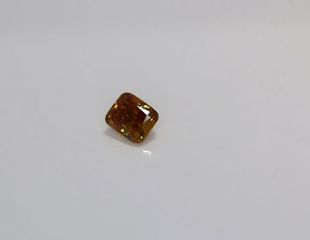 Fancy diamond, cuscion cut, 0.50 ct (AIG)