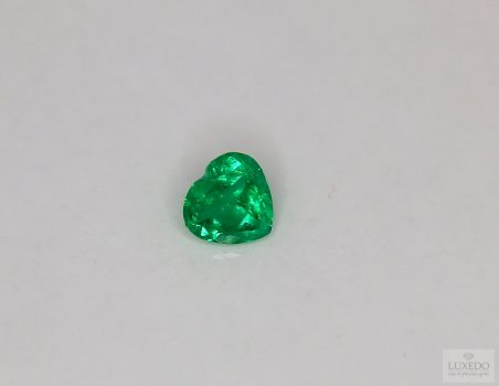 Colombian Emerald, heart cut, 0.66 ct