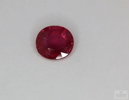 Ruby, oval cut, 3.25 ct