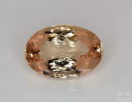 Morganite, oval cut, 16.02 ct