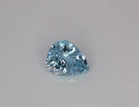Aquamarine, drop cut, 2.74 ct