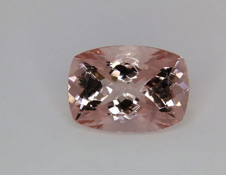 Morganite, cushion cut, 12.80 ct