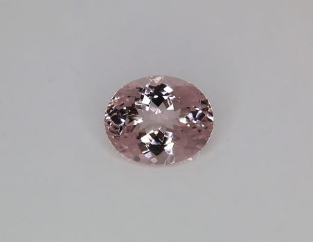 Morganite, oval cut, 4.08 ct