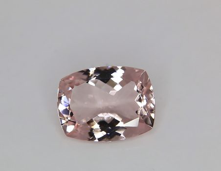 Morganite, cushion cut, 6.16 ct