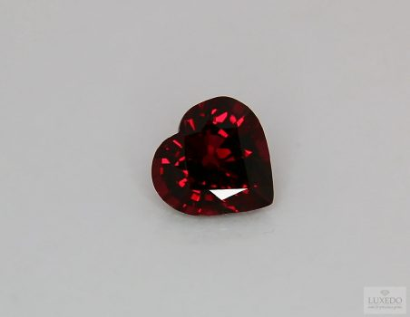Red Garnet, heart cut, 4.10 ct