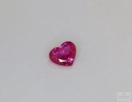 Ruby, not heated, heart cut, 1.27 ct