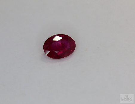 Ruby, oval cut, 1.43 ct