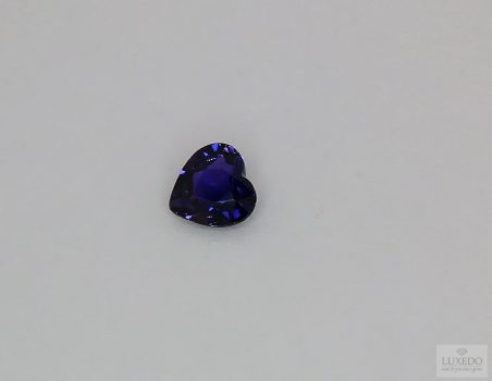 Blue-violet Sapphire, not heated, heart cut, 0.86 ct