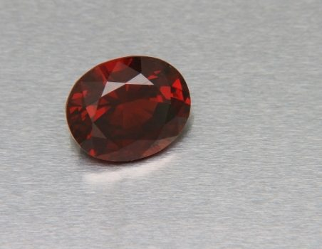 Oval cut spessartine garnet, 5.07 ct