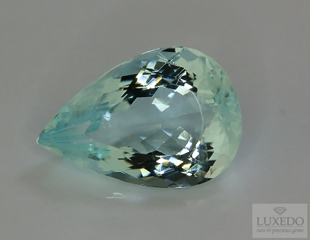 Aquamarine, drop cut, 7.35 ct