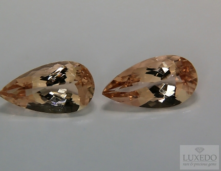 Pair of Morganites, drop cut, 6.06 ct tot.