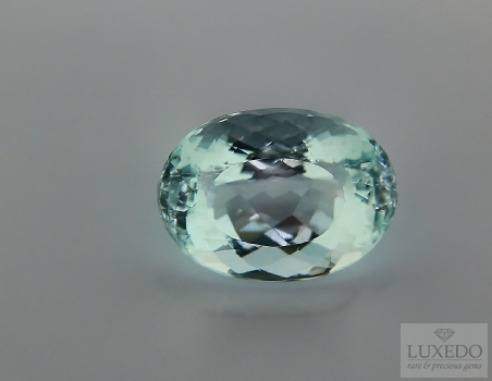 Aquamarine, oval cut, 10.65 ct