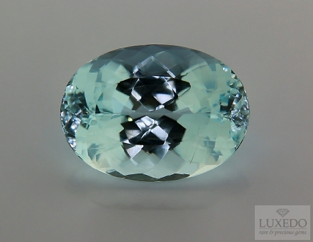 Aquamarine, oval cut, 15.99 ct