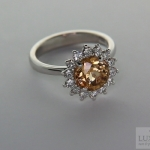 White gold ring with Hessonite Garnet