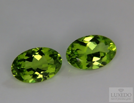 Pair of Peridots, oval cut, 6.27 ct tot.