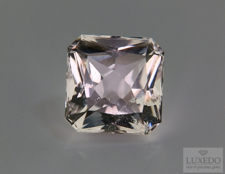 Morganite, octagonal cut, 10.18 ct