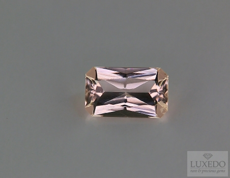 Morganite, octagonal cut, 2.16 ct